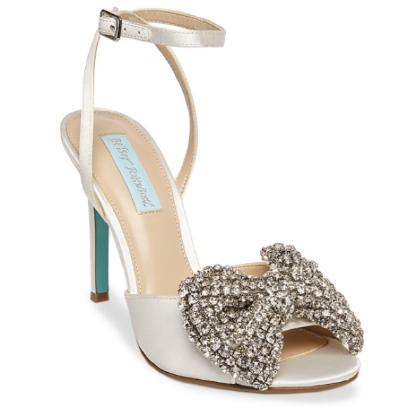 Women/'s Blue by Betsey Johnson GIFT Special Occasion Strappy Sandals Satin Ivory